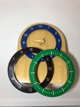 Clock with Changeable Dials